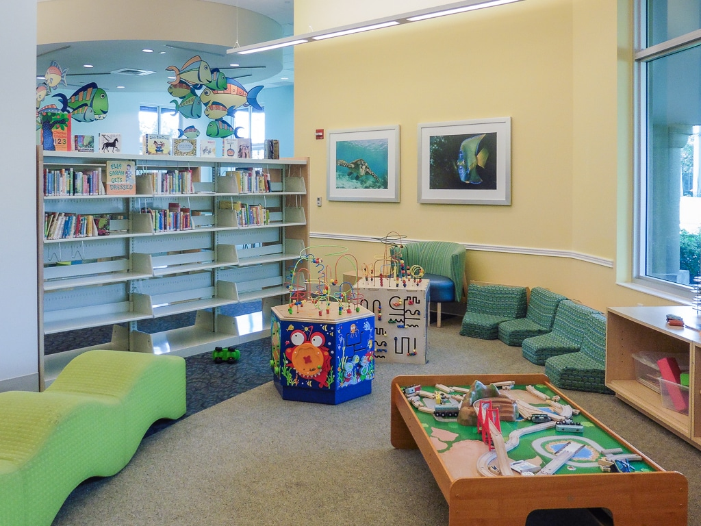 Boca_Raton_Downtown_Library_08
